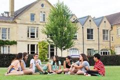 Wycliffe College, летняя школа в Англии, вид школы с улицы