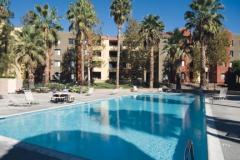 Кампус, внутренняя территория с бассейном, фото 2, California State University