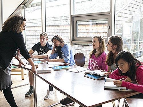 Проведение занятий в языковом лагере в Австрии St. Gilgen International School