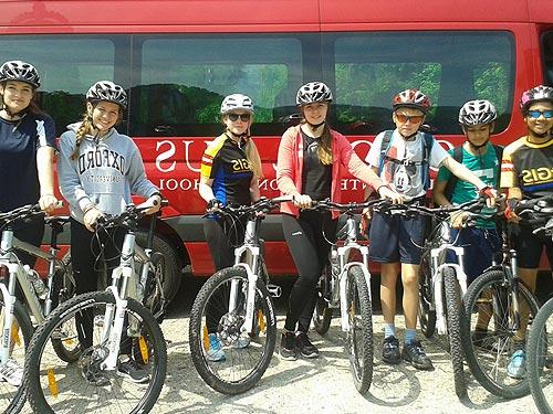 Велопрогулки в детском языковом лагере Австрии St. Gilgen International School