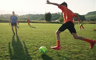 Футбол в летнем лагере в Швейцарии для подростков