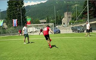 Футбол между школами в языковом лагере Швейцарии