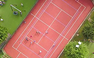 Лагерь в Швейцарии обладает большой спортивной инфраструктурой