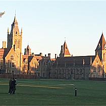 Charterhouse School Football Summer Camp, Чартерхаус Футбольный летний лагерь в Англии клуб Арсенал | Летняя школа в Англии | Великобритании на базе частной школы