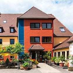 Humboldt-Institut Bad DurkheimКурсы немецкого языка, Гумбольдт-Институт Бад Дюркхайм в Германиина базе школы Bad Fredeburg Academy