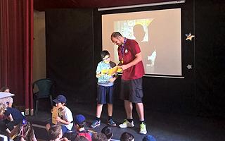 Награждение грамотами и призами за успехи Летняя школа в Италии Alphabet day summer school in Italy